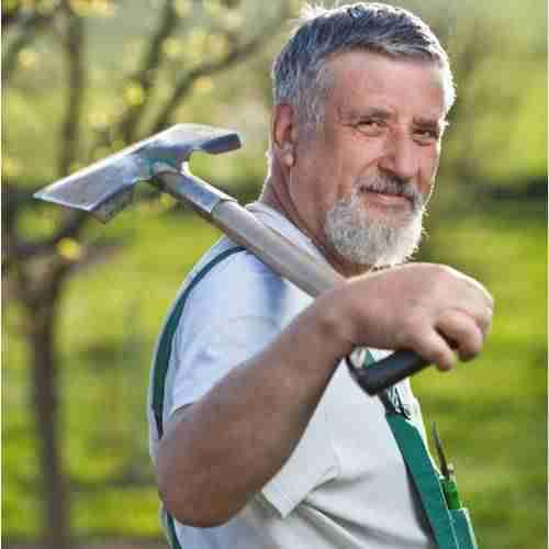 Jardinier avec sa pelle