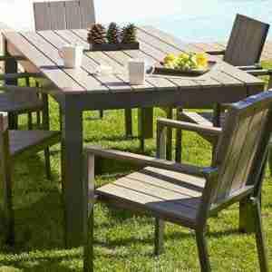 table et chaise de jardin en bois et en acier