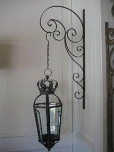 lanterne en fer forgé noir