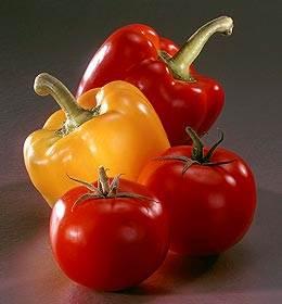 des poivron et des tomate pour un plat de Légumes sauté au Tofu