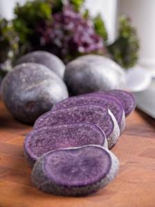pomme de terre vitelotte, redécouvrez les produits d'antan