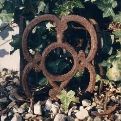 "très jolie bordure de jardin en fonte ""roman"""