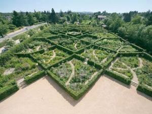 Les labyrinthes du château Saint-Bernard prix du jardin de l'année 2013